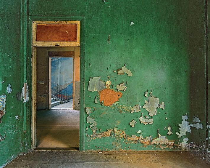 LOOK SHARP | Robert Polidori's Hotel Petra #7 (2010), shot in an abandoned Beirut hotel, part of a show at New York's Paul Kasmin Gallery. Photo: Courtesy of Robert Polidori and Paul Kasmin Gallery (2)