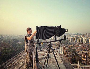 Robert Polidori using his view camera. Photo: Courtesy of Robert Polidori and Paul Kasmin Gallery